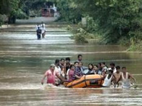 Assam seeks Rs 500 crore as flood relief, toll 14