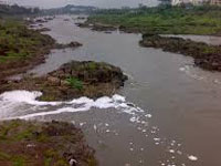 Sewage in river raises a stink