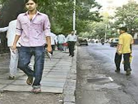 Better footpaths, lighting: Delhi government to revamp 10 roads
