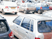 L-G for 200% hike in parking charges