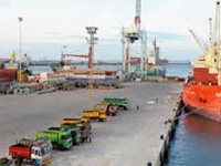 Shipping min moves to turn major ports green